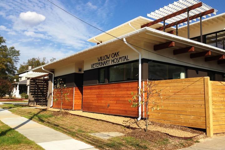 Pet Friendly Willow Oak Veterinary Hospital