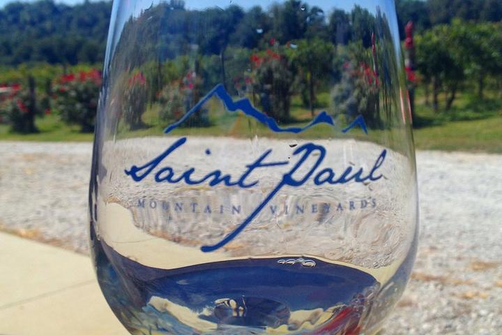 Pet Friendly Saint Paul Mountain Vineyards
