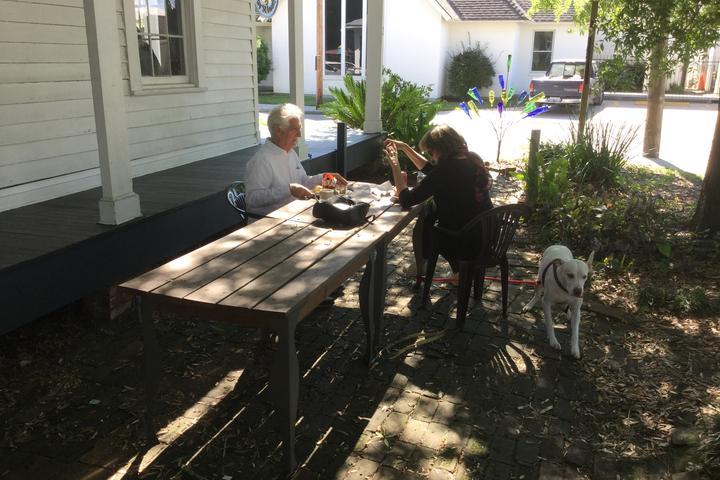 Pet Friendly Mockingbird Cafe