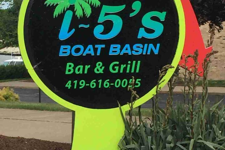Pet Friendly i-5's Bar and Grill