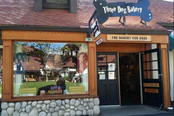 Pet Friendly Three Dog Bakery – Lake Arrowhead