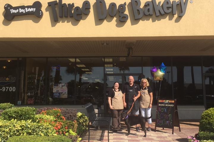 Pet Friendly Three Dog Bakery Sarasota