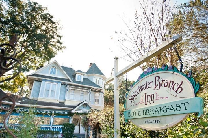 Pet Friendly Sweetwater Branch Inn