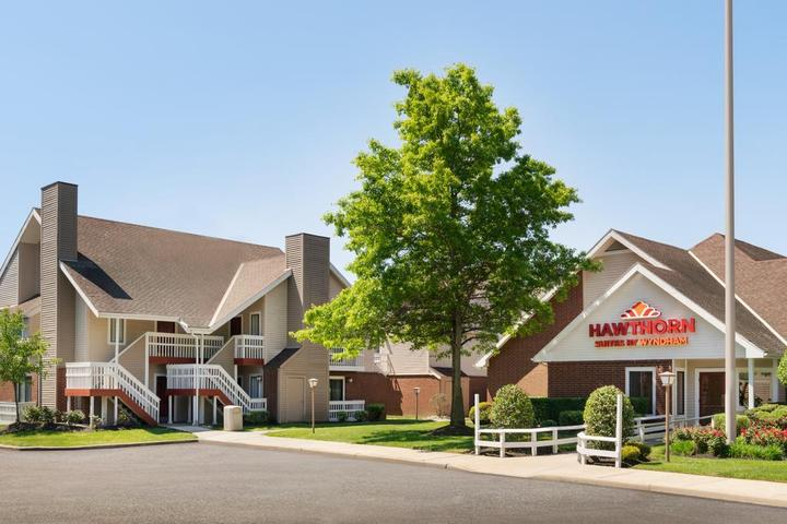 Pet Friendly Hawthorn Suites by Wyndham Tinton Falls