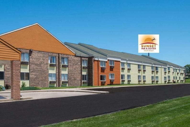 Sunset Inn & Suites Lincoln Airport