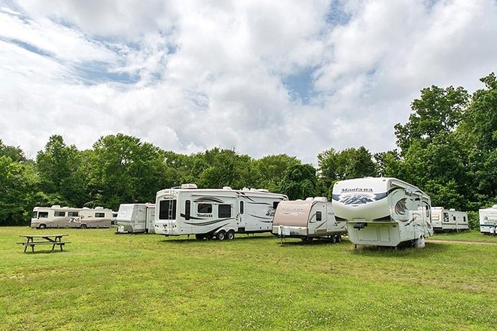 Pet Friendly Chestnut Lake RV Campground