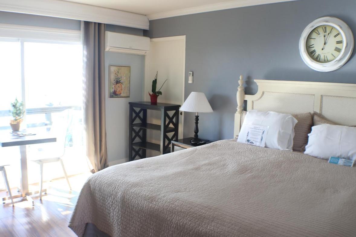 Seaside Laguna Inn and Suites