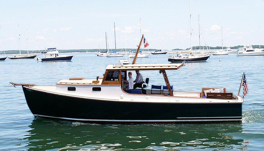 Sag Harbor Charters takes guests with dogs on a cruise and swim on this Hampton