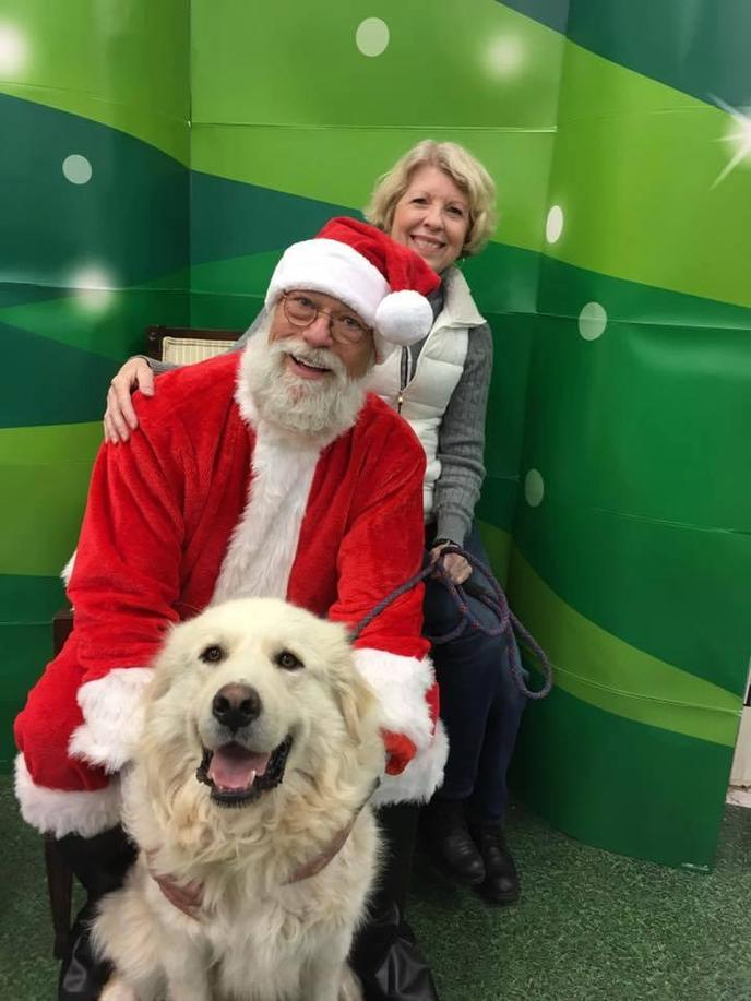 Petco will be hosting pet photos with Santa Claus at participating Petco locations.