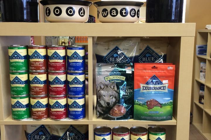 Pet Friendly Laura Jane's Pet Food & Supplies