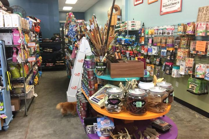 Pet Friendly Bark 'n Meow Pet Store