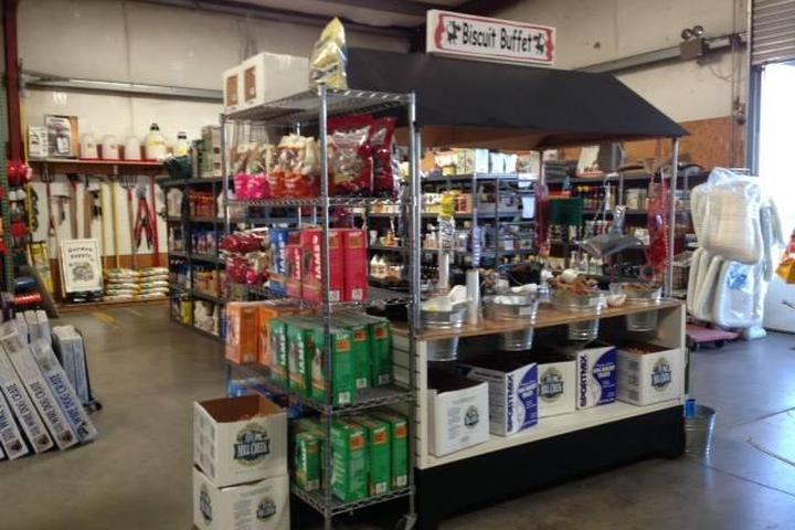 Pet Friendly Valley Springs Feed & Pet Supply