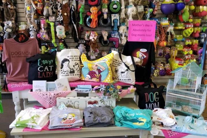 Pet Friendly Kibbles 'n Gifts