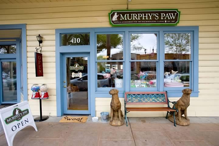Pet Friendly Murphy's Paw