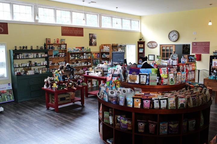 Pet Friendly Oliver & Company: A Natural & Organic Pet Store