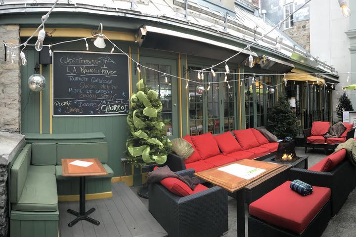Pet Friendly Cafe-Terrasse La Nouvelle-France