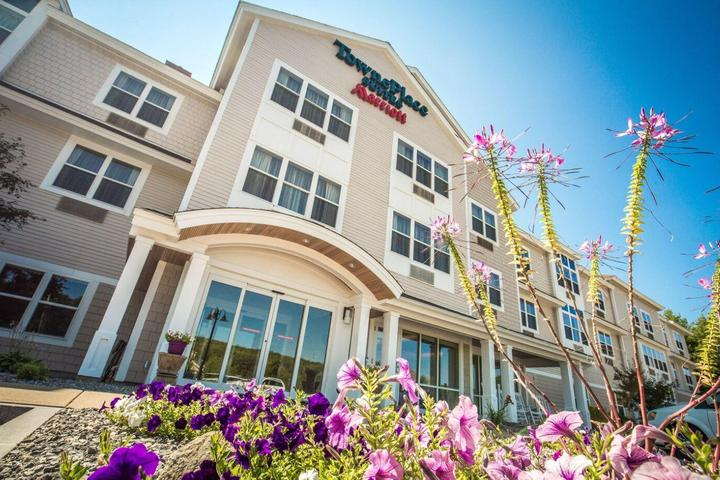 Pet Friendly TownePlace Suites by Marriott Gilford