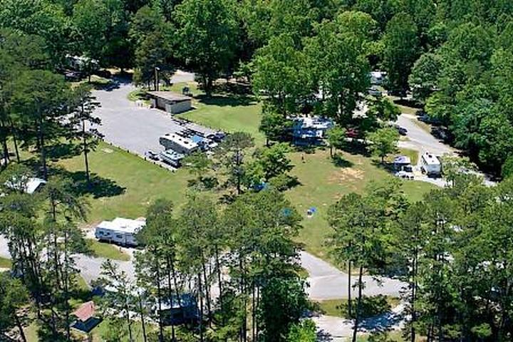 Pet Friendly Loyston Point Campground