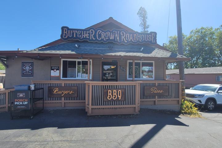 Pet Friendly Butcher Crown Roadhouse
