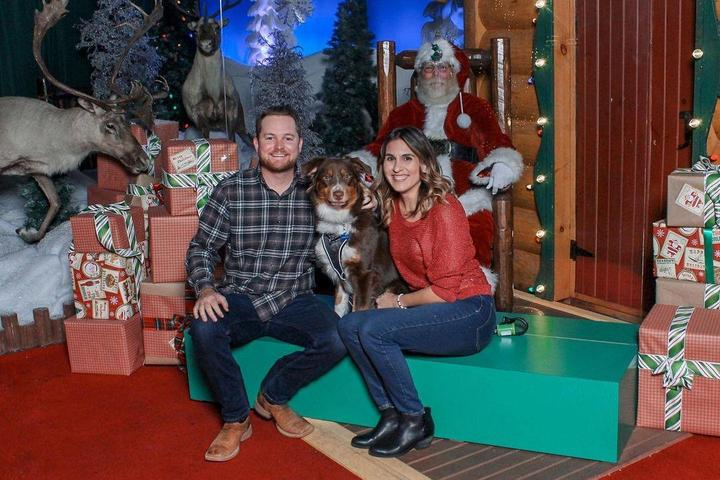 Here Comes Santa Paws! Where to Get Photos of Fido with Santa in 2020