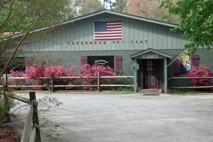 Pet Friendly Greenwood Pet Camp
