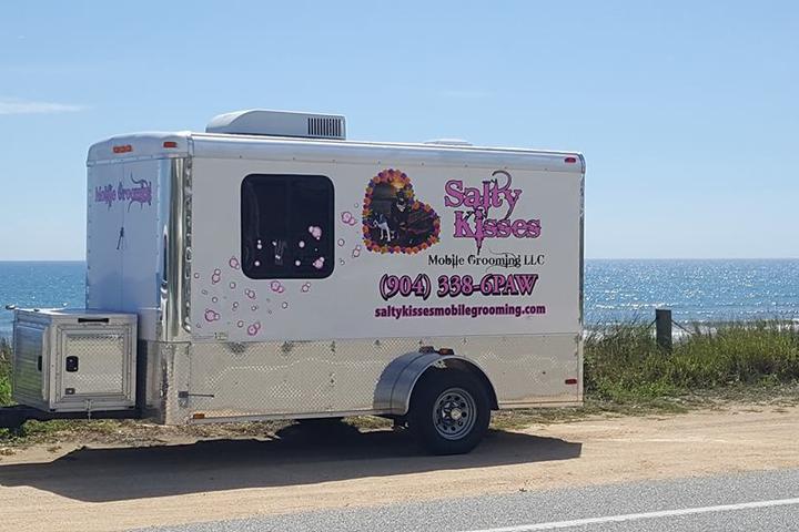 Pet Friendly Salty Kisses Mobile Grooming LLC