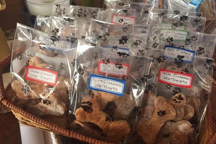 Pet Friendly WaggMore Pet Boutique & Bakery