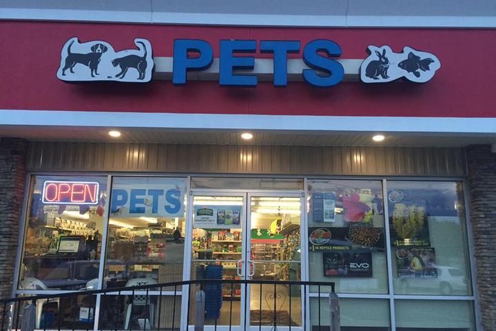 Pet Friendly Pet World - Auburndale