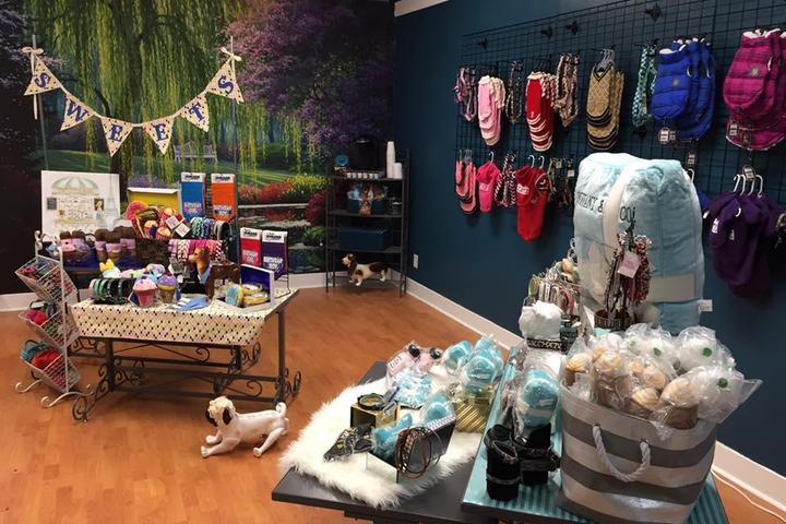 Pet Friendly Just Around the Corner Dog Grooming & Boutique