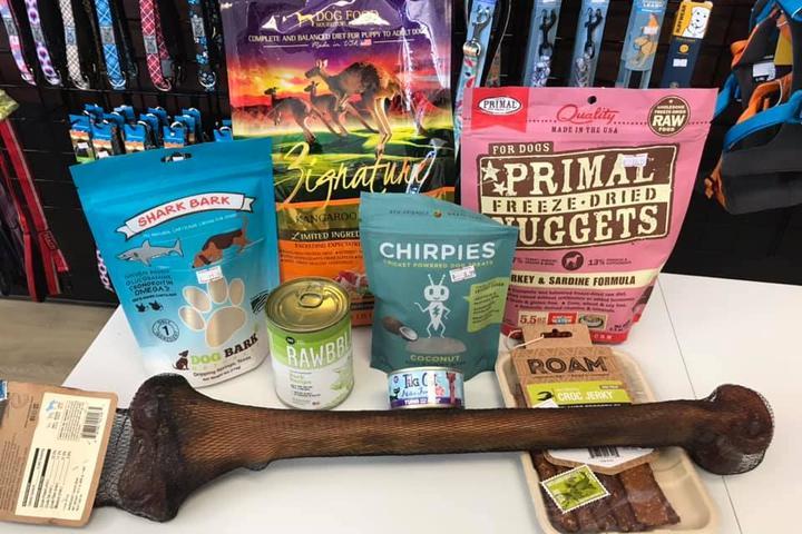 Pet Friendly Mutt Waggin' Pet Supplies