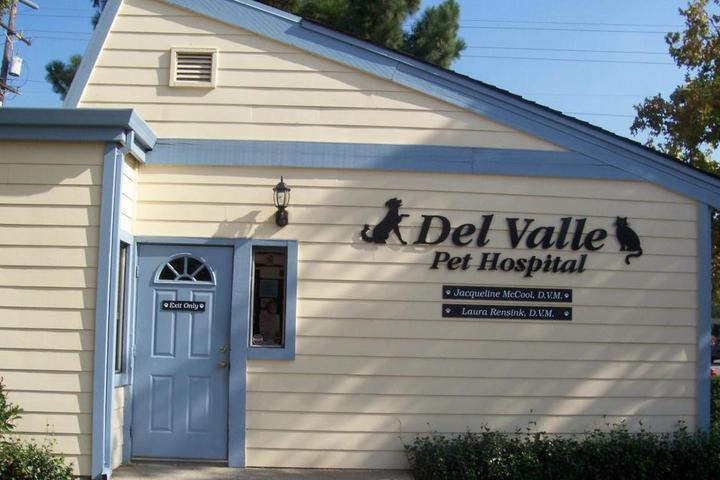 Pet Friendly Del Valle Pet Hospital