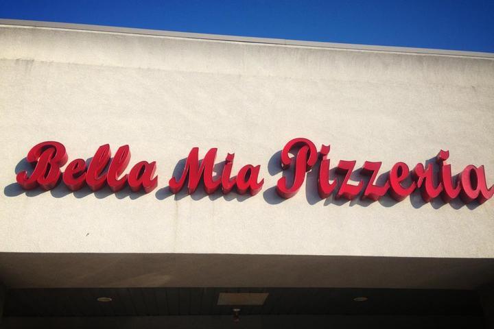 Pet Friendly Bella Mia Pizzeria & Restaurant