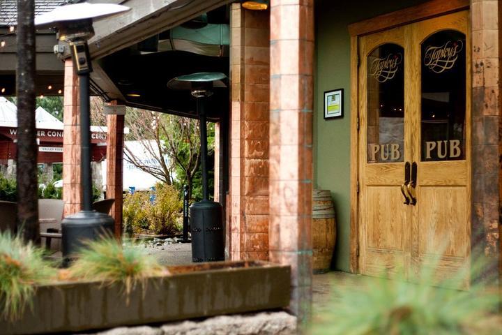 Pet Friendly Tapley's Neighbourhood Pub