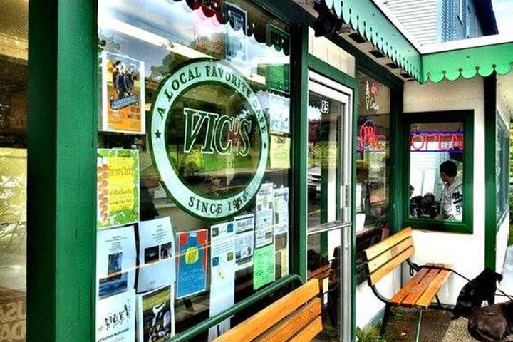 Pet Friendly Vic's Driftwood Drive Inn