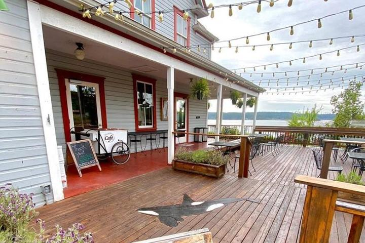 Pet Friendly Orcas Hotel Cafe