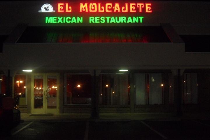 Pet Friendly El Molcajete Cantina and Grill