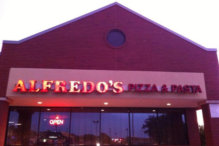 Pet Friendly Alfredo's Pizza & Pasta