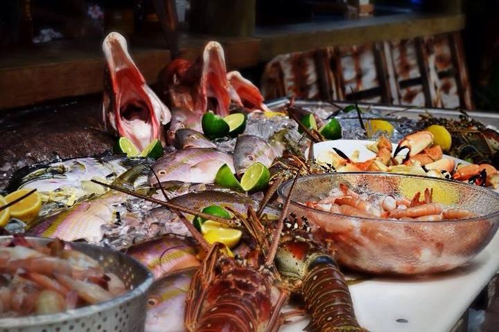Pet Friendly Hogfish Bar & Grill