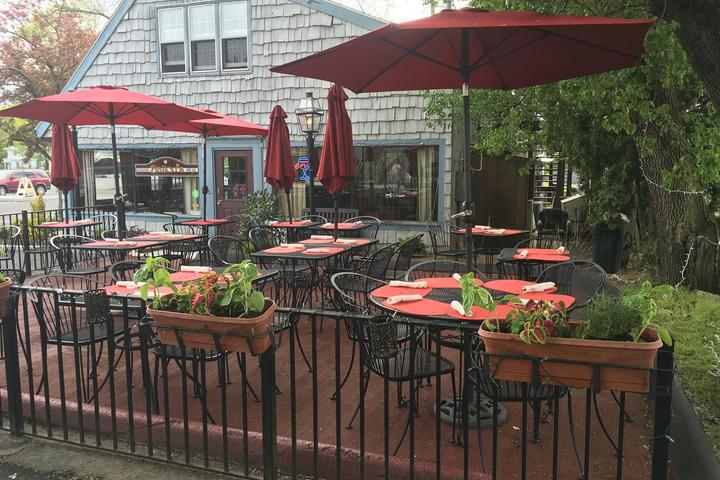 Pet Friendly Ballou's Restaurant & Wine Bar