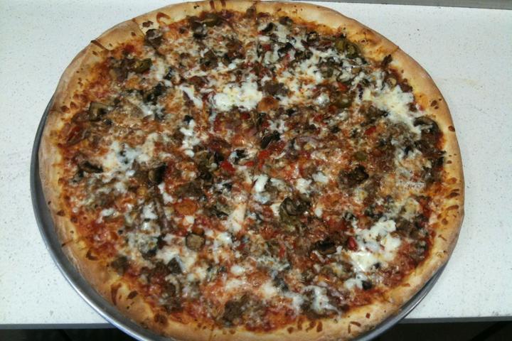 Pet Friendly Enzo's Pizza