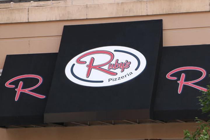 Dog Friendly Restaurants In Cedar Rapids Ia Bring Fido