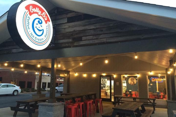 Pet Friendly Golly G's Coffee, Ice cream, and Sweets