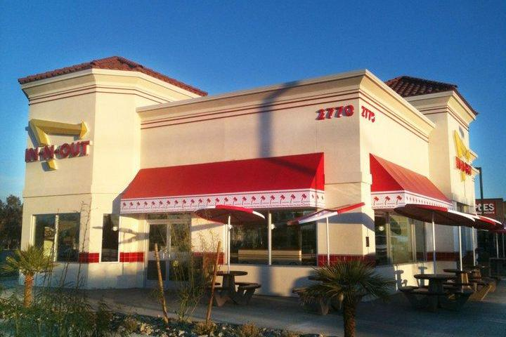 Pet Friendly In-N-Out Burger