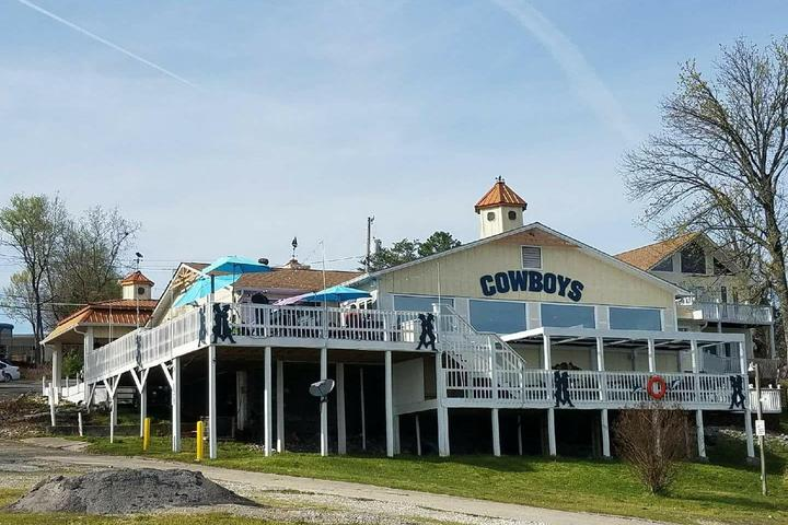 Pet Friendly Cowboy's Seafood On the Water