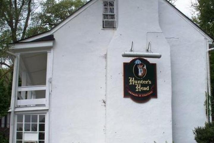 Pet Friendly Hunter's Head Tavern