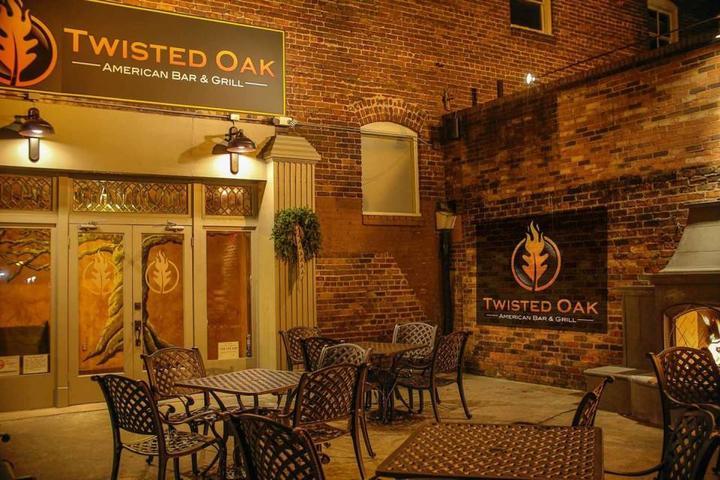 Pet Friendly Twisted Oak American Bar & Grill