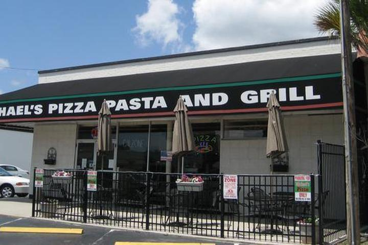 Pet Friendly Michael's Pizza, Pasta and Grill