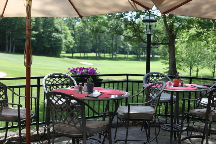 Pet Friendly Cafe on the Green Restaurant