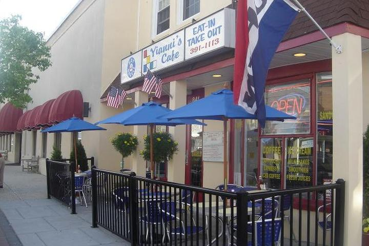Pet Friendly Yianni's Cafe