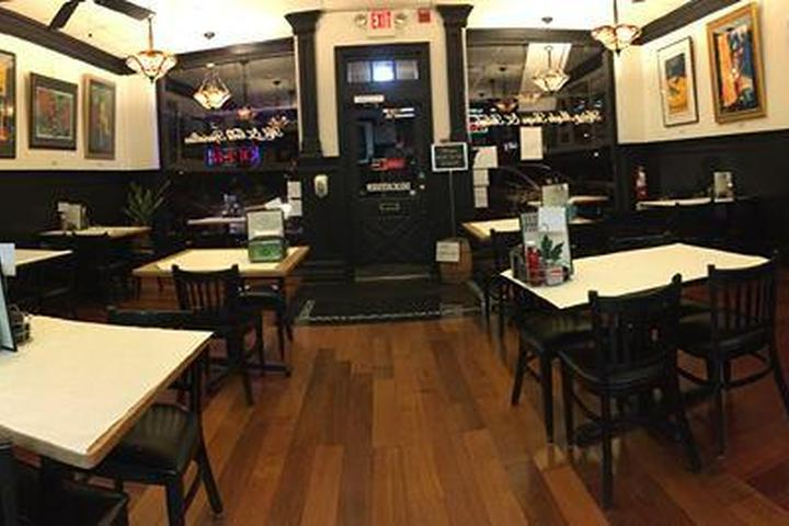 Pet Friendly Maplewood Grille